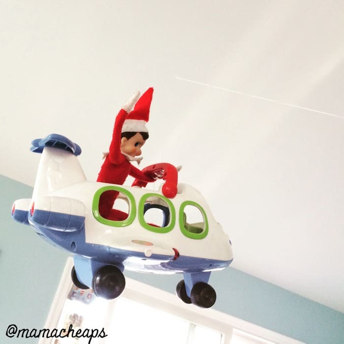Elf Flies Plane