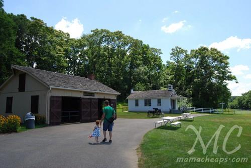 the amish village lancaster e