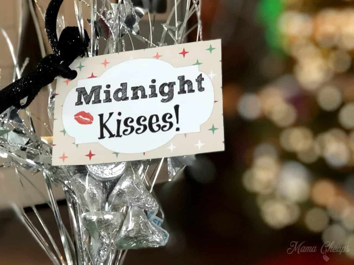 Midnight Kisses Party Favor