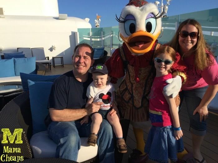disney dream cruise pirate daisy duck