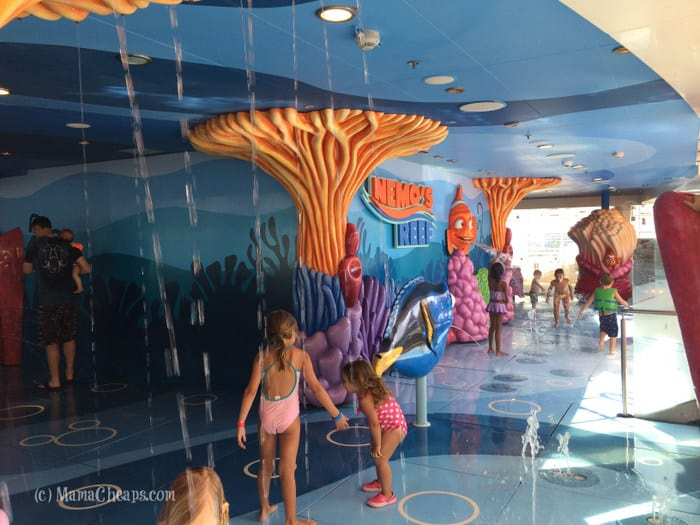 nemo's reef toddler splash zone