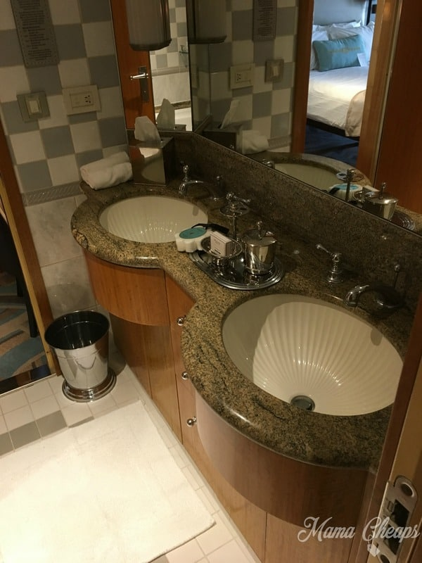 Bathroom on Disney Magic