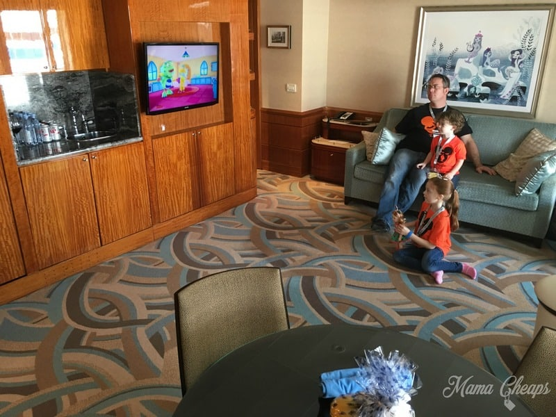 Disney Suite 8032 Living Room