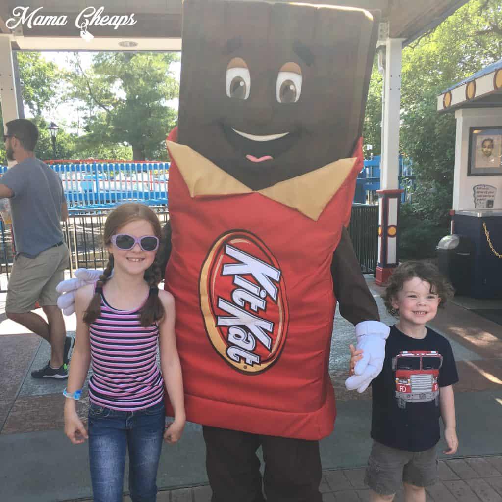 Kids at Hersheypark with Kit Kat