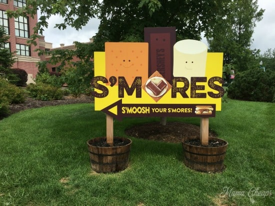 Chocolate World Smores Hershey