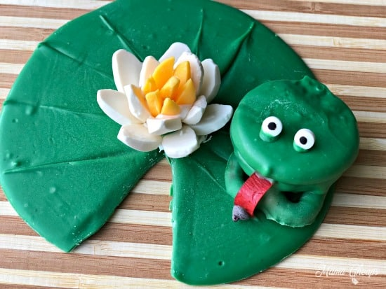OREO Frog Cookies