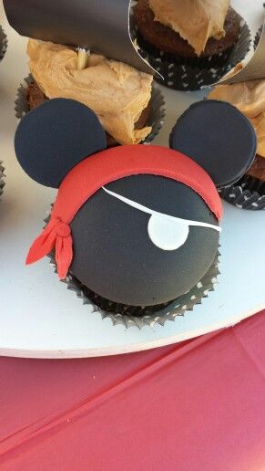pirate mickey cupcake