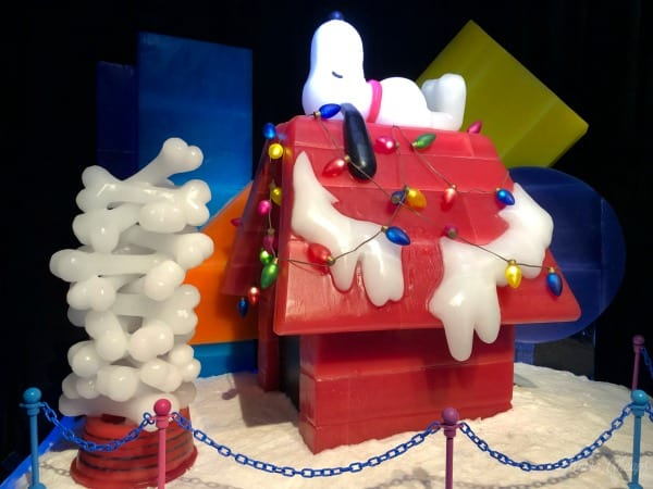 Snoopy Doghouse Gaylord Ice