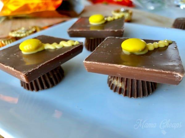 Tassle caps chocolate
