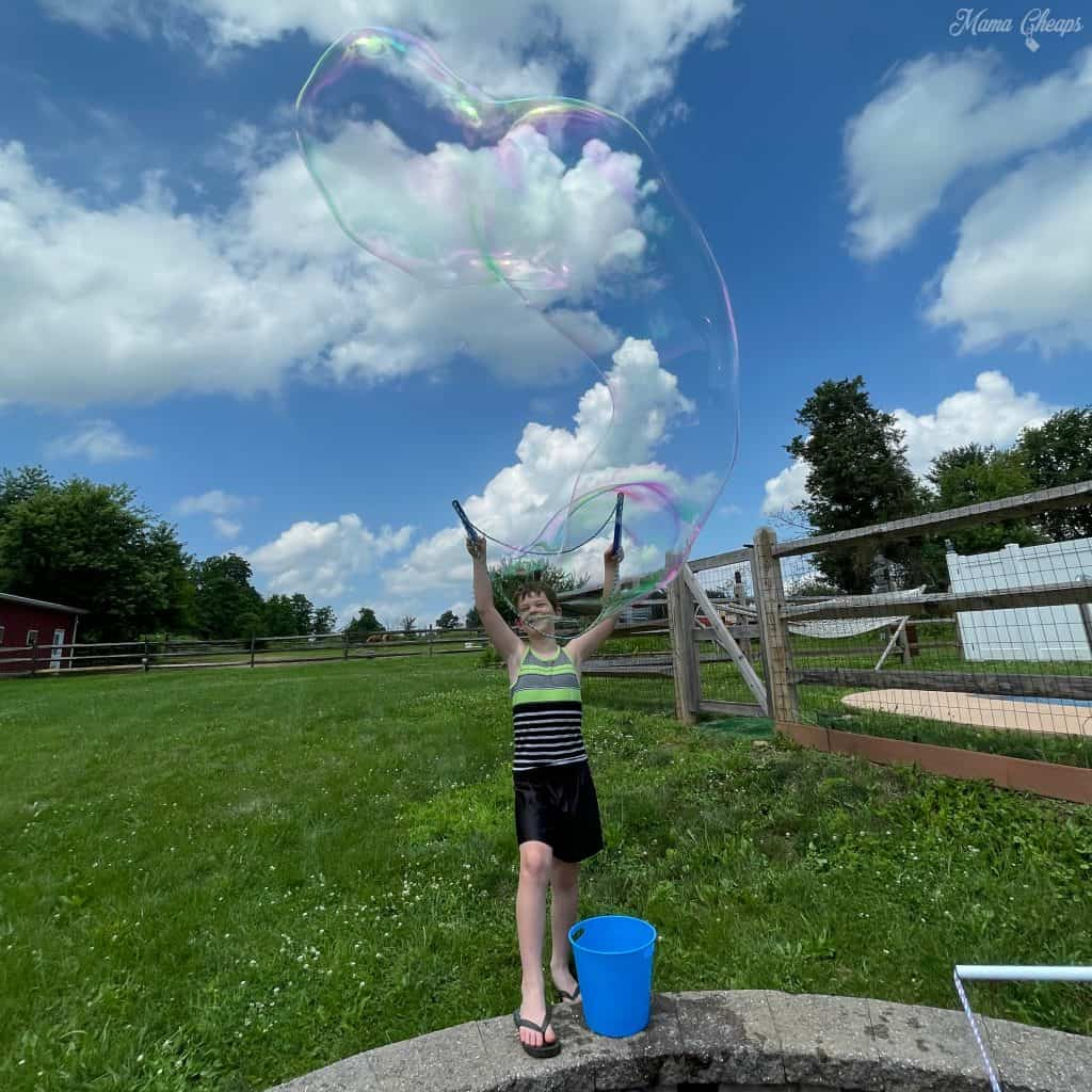 Wowmazing giant bubbles