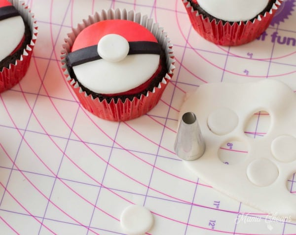 Easy Pokeball Cupcake Desserts