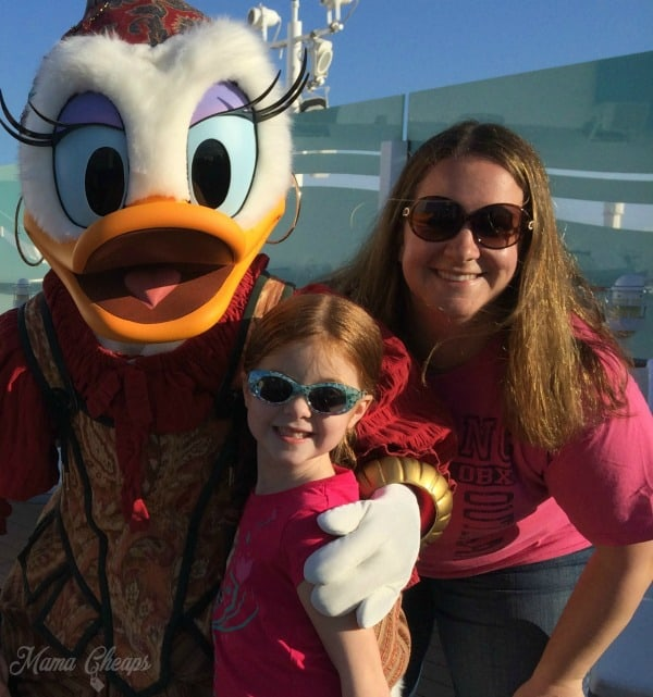 disney dream cruise pirate daisy duck crop