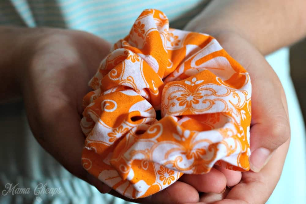 DIY Scrunchie Kid Sewing Project