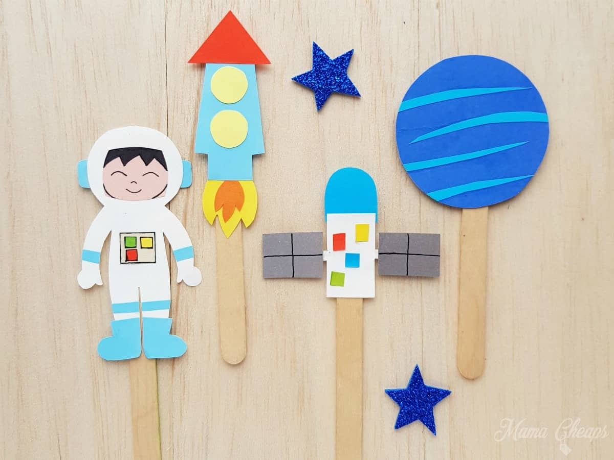 Space Puppets DIY FEATURE