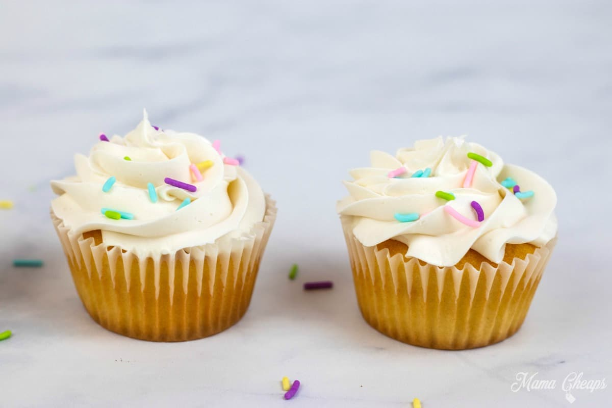Cupcakes Vanilla frosting and sprinkles