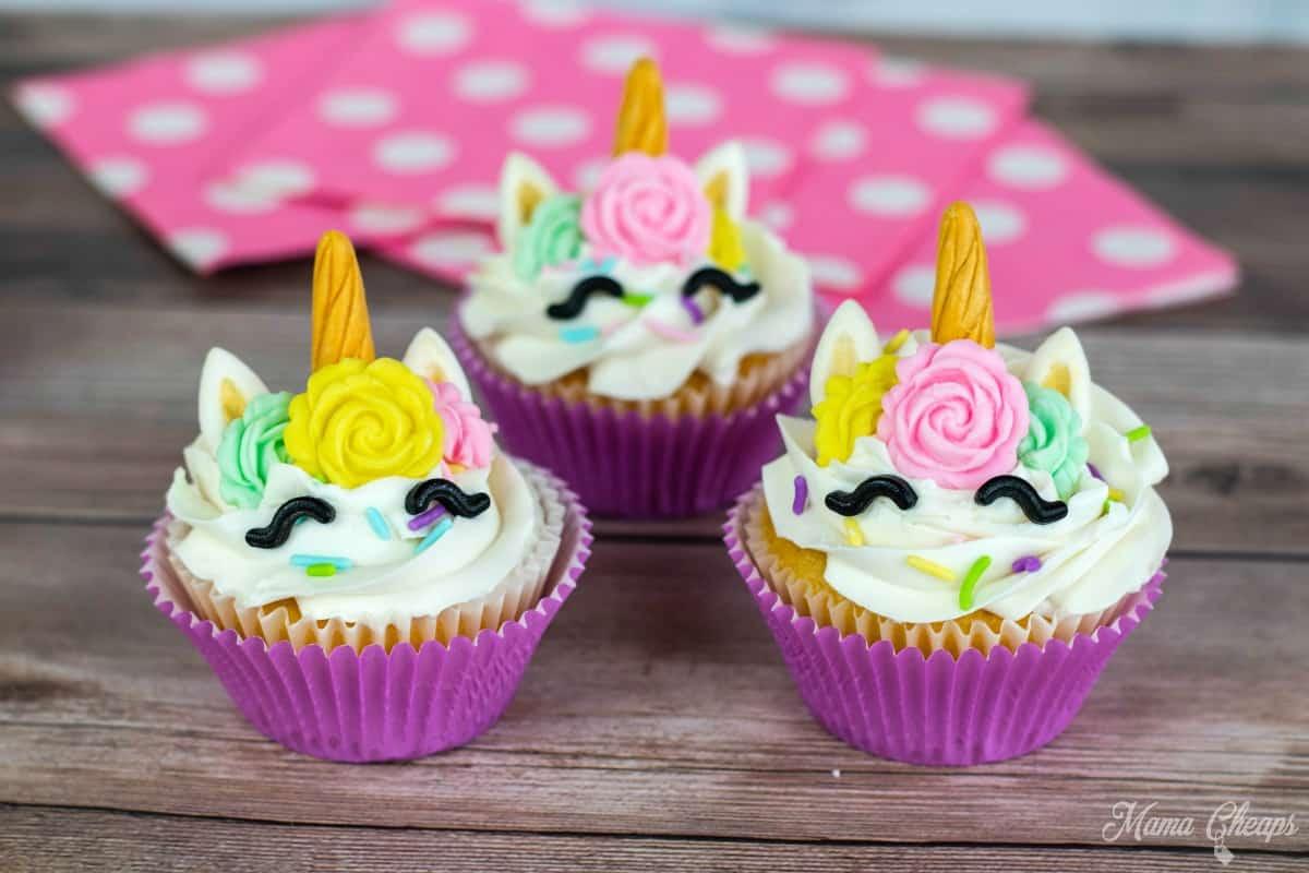 diy unicorn cupcakes pink napkins