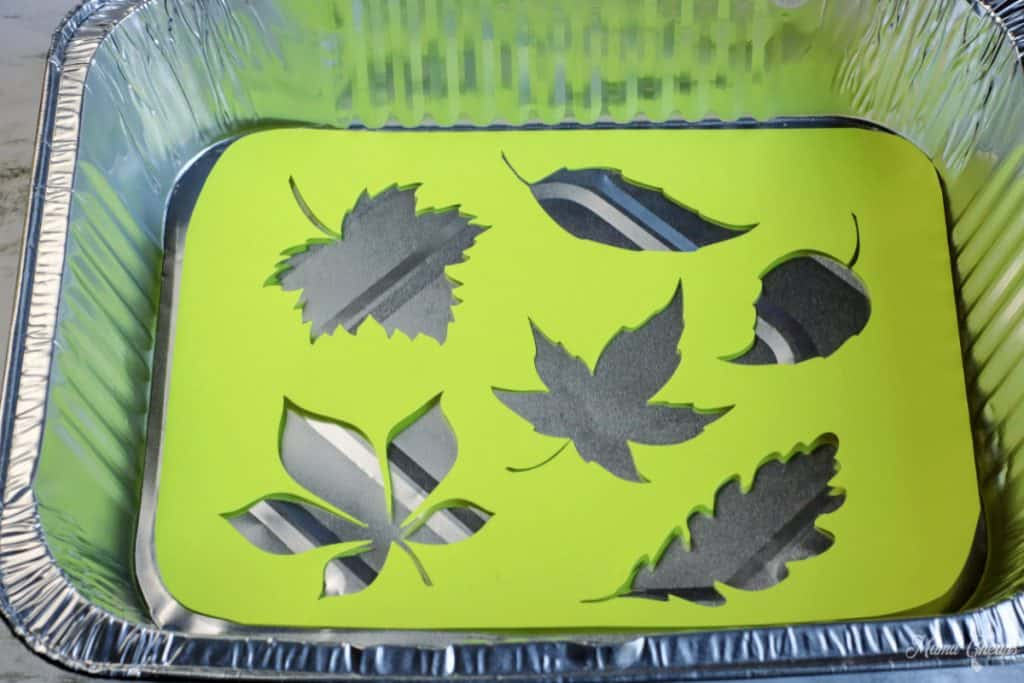Marble Leaf Painting Stencil in Chafing Dish